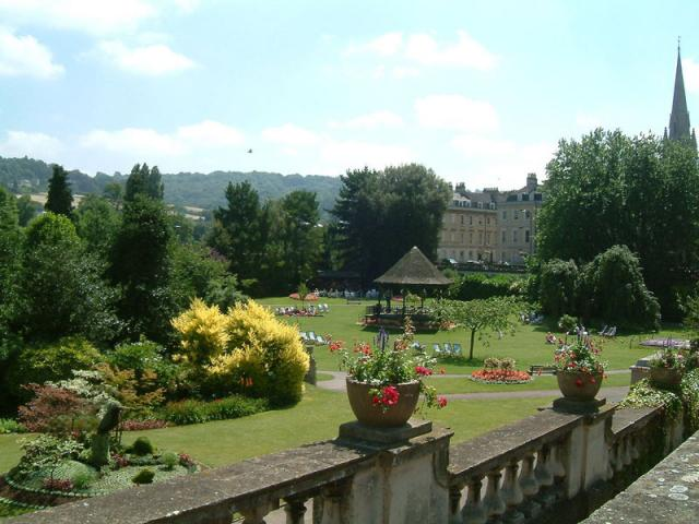 Bath English Homestay - Parade Gardens