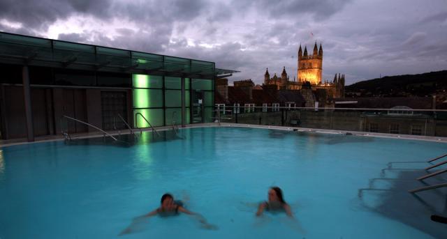 Bath English Homestay - An evening swim at Bath Thermae Spa